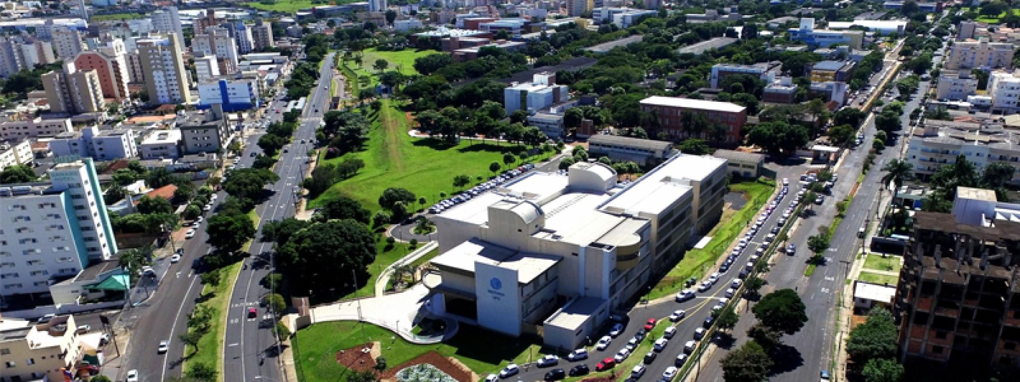 Conselho Universitário da UFU subscreve manifesto contra militarização de escolas apresentado pela ADUFU